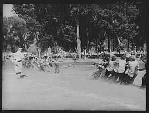 Title: Kids tug of war at the Fourth of July celebration at Vale, Oregon Creator: Lee, Russell, 1903-1986 Created/Published: 1941 July. Library of Congress Prints & Photographs Division